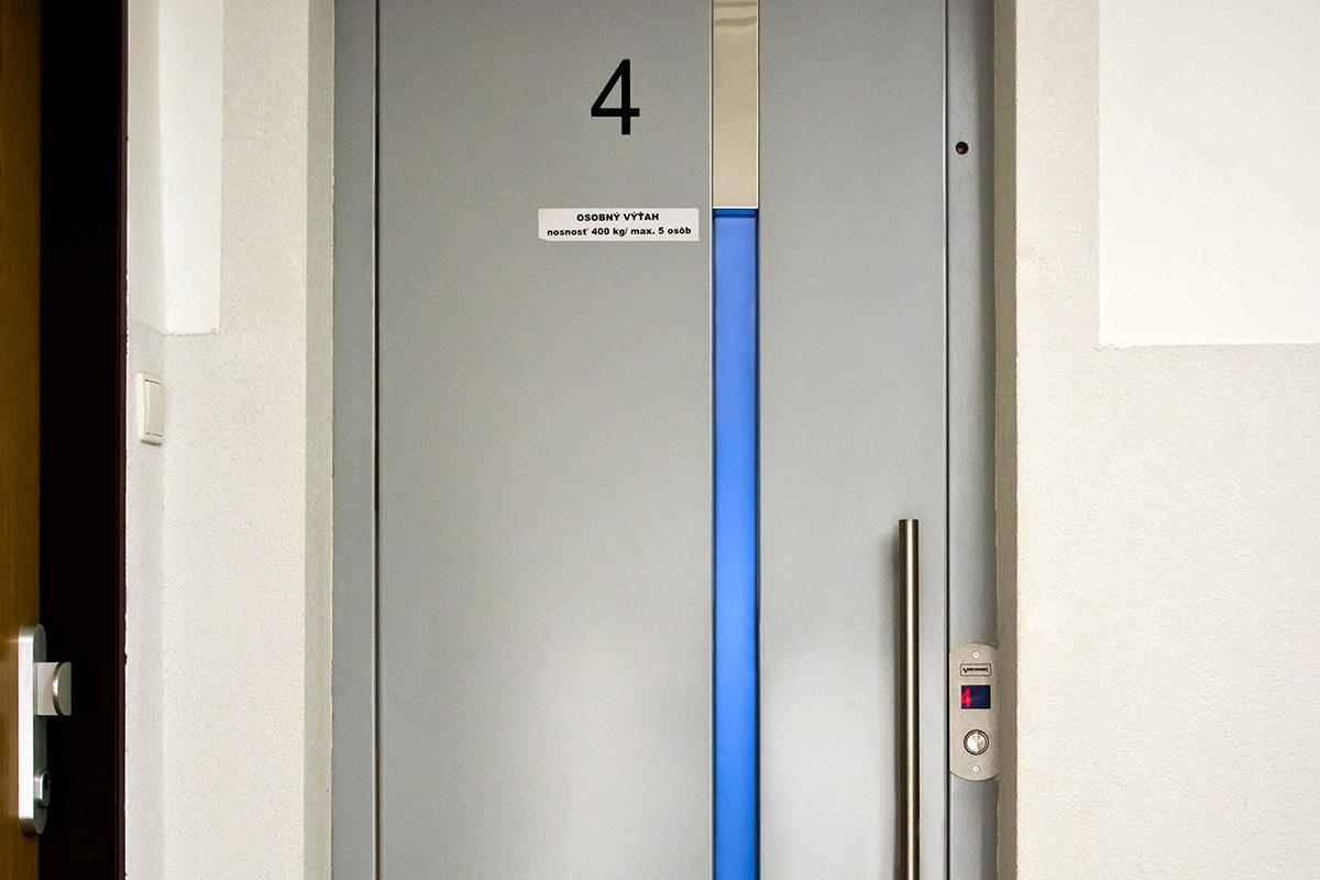 Šachtové dvere